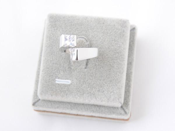 Кольцо с кристаллами сваровски арт.108 серебрянного цвета